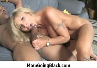 hot mama likes large black penis 1011