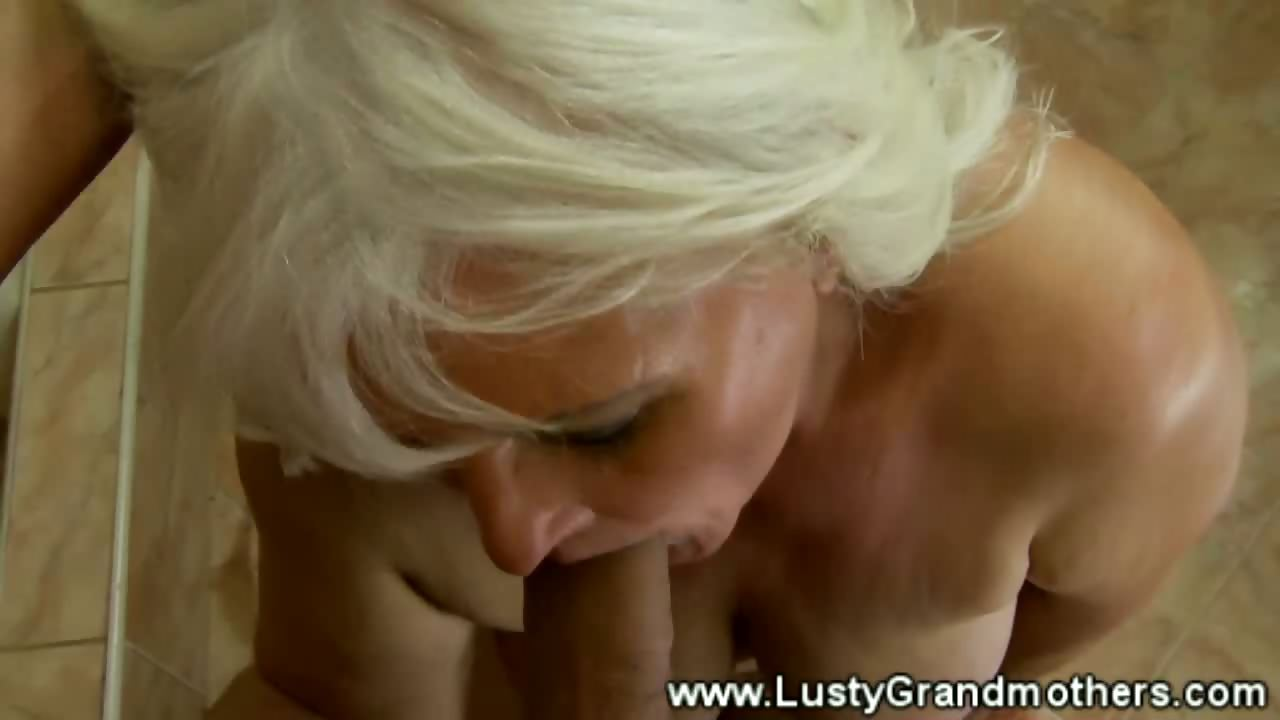 mature amateur granny sucks then screwed by this