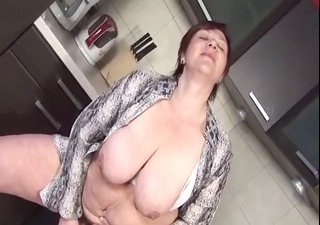 bbw aged in the kitchen